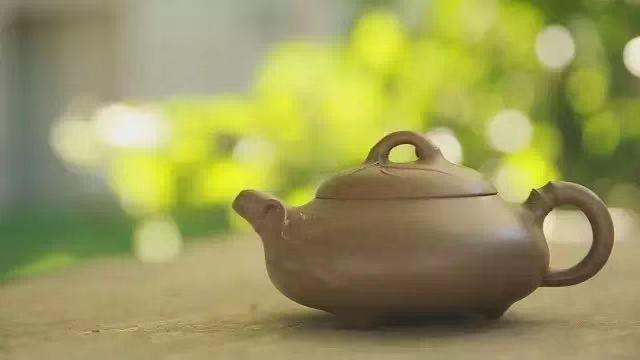 无由持一碗,寄与爱茶人